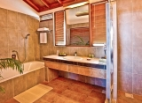Reethi beach rezort - kúpeľňa vo vodnej vile