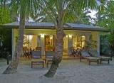 Sun Island resort - Plážový bungalov standard