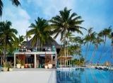 Velaa Private Island - plážový bar Avi