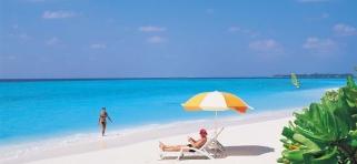 Pláž pri resorte