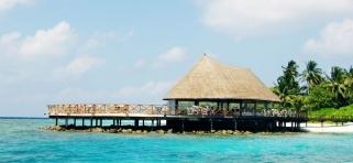 Slnečná terasa Bandos Island Resort