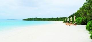 The Barefoot Eco hotel Maledivy