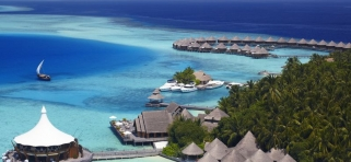 Baros Maldives - reštaurácia Lighthouse