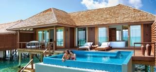 Deluxe vodná vila - Hideaway beach Maledivy