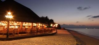 Reštarurácie Holiday Island Resort