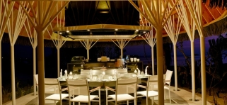 Kandolhu island - reštaurácia Banzai