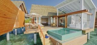 Kandolhu island - vodná vila s bazénom