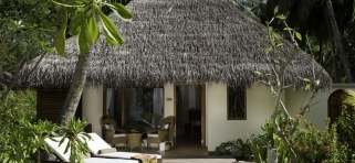 Deluxe plážová vila s jacuzzi
