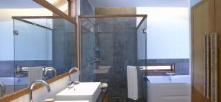 Medhufushi Island resort - kúpelňa vo vodnej vile