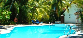 Ranveli Village Maledivy - bazén