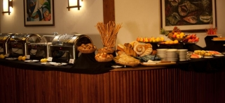 Hlavná reštaurácia Reethi Beach Resort