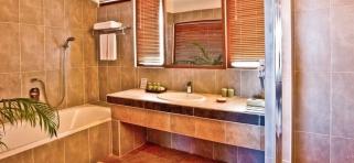 kúpeľňa vo vodnej vile