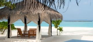 Sun Siyam Iru Fushi - plážová vila deluxe s bazénom