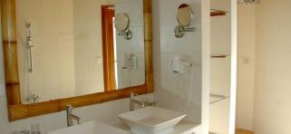 Thulhagiri Island resort - plážový bungalov izba deluxe