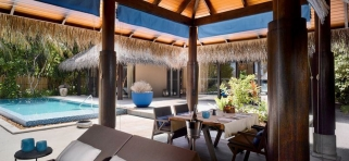 Velaa Private Island - deluxe plážová vila s bazénom