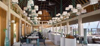 Velaa Private Island - reštaurácia Athiri
