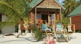 Plážový bungalov Maledivy